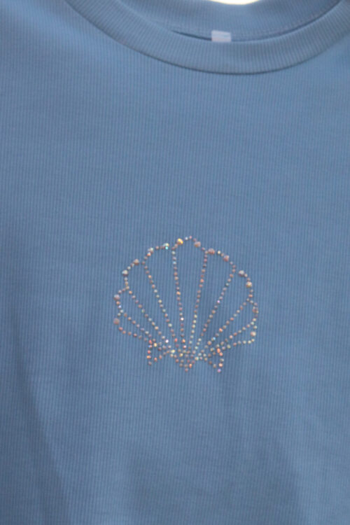Kagyló mintás strasszköves kék női rövid ujjú póló